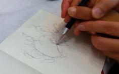 Martin Kiessling lehrt Gaby zeichnen